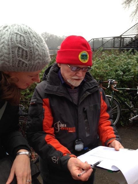 2013 race, Anna inspecting the handicap start list with Alan Nash