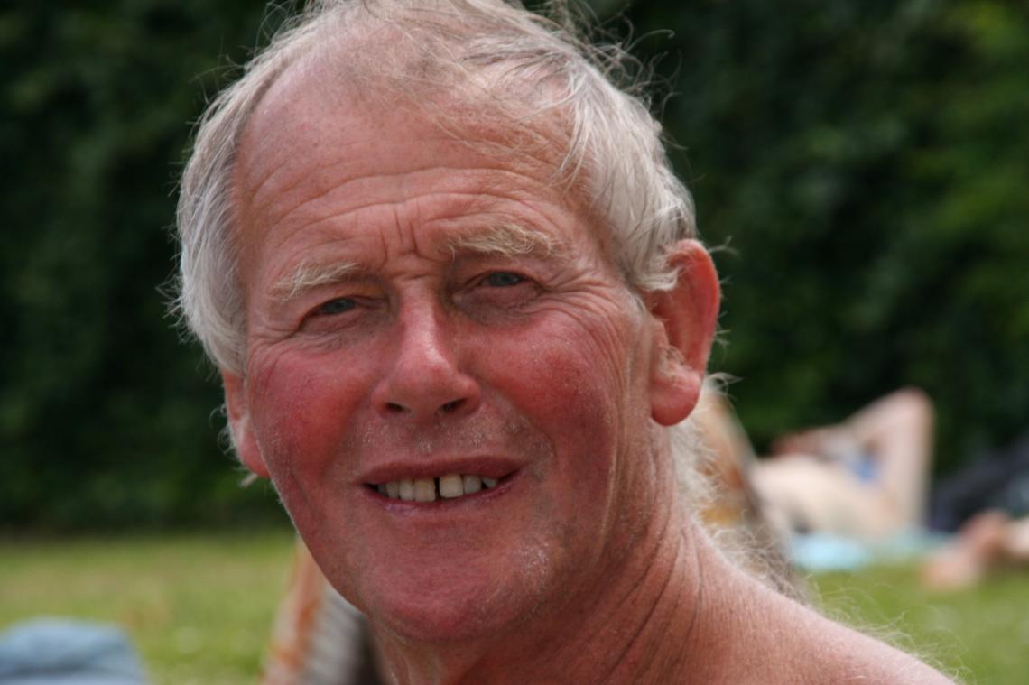 Gordon Brodie Memorial Service Information