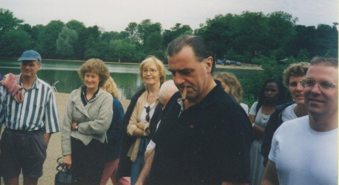 2000, watching a race presentation