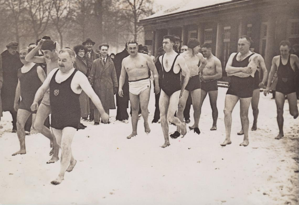 1938, the Peter Pan cup was postponed due to ice but Clary still led the club out for a brisk dip